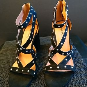 Qupid pre-loved black block heels EUC